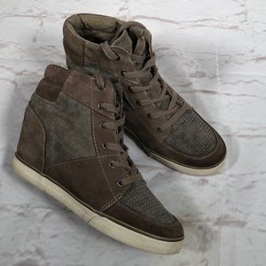 American Eagle Outfitters high top sneakers.  Sz 9